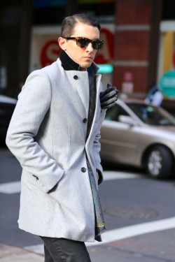 streetstyled:  Men's clean chic'ness. Via Fashables.com.  Clean cut!