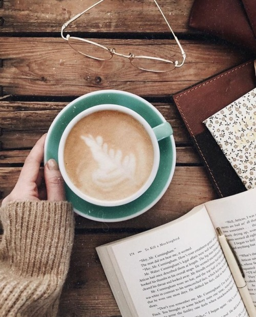 books bookstagram hygge hyggelife hyggehome hot cocoa reading cozy fall sweaters aesthetic photography