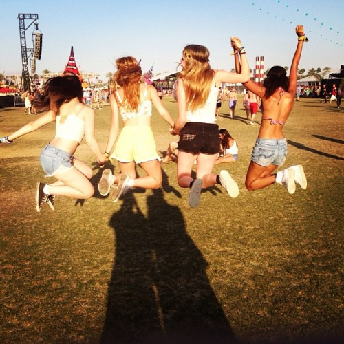 teendotcom:  The Best Celeb TwitPics from Coachella 2013, Weekend 2 <3 Bella Thorne