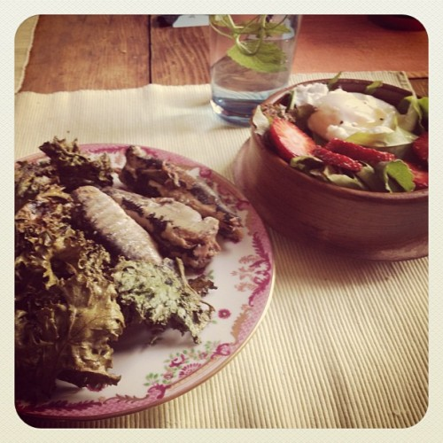 Sardines just don't look as good as they taste. #lunch #home #sardines