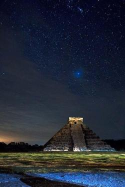 "matsvri:  ✕ Chichen Itza  Chichen Itza: Spanish: Chichén Itzá meaning ""at the mouth of the well of the Itza"" was a large pre-Columbian city built by the Maya civilization. The archaeological site is located in the municipality of Tinum, in the Mexican state of Yucatán."