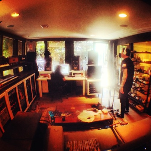 nicktuckerrr:  Tom recording some vocals for the new blink-182 tracks.