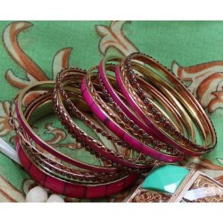 For the love of pink  new: the Kyra Fuchsia Bangles  find them here -> http://mimibtq.com/17Unae6 #mimiboutique #fashion #baubles #chic #pink