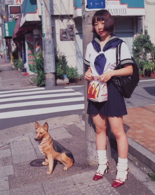 From6x7 Hangekiby Nobuyoshi Araki, 2007 (viaraveneuse)