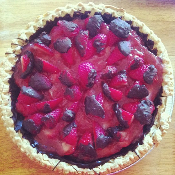Fresh strawberry pie with chocolate-lined crust for #innerfunset potluck night! http://bit.ly/14HStef