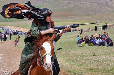 keeplightandovertake:  Lor culture in Iran. Female rider learns to ride and shoot. Beauty and Grace.