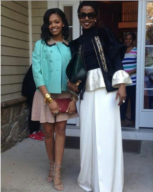 afro-art-chick:  Lauryn Hill and daughter Selah attend a wedding.  <3