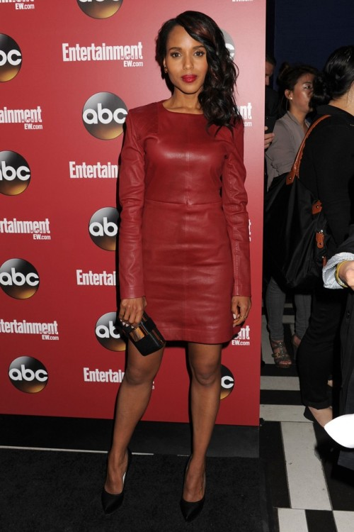 womensweardaily:  Celebrity Fashion: Lively Leather Kerry Washington shows off her legs at the ABC Upfront Party in a Marc by Marc Jacobs red leather dress. Photo by Jennifer Graylock/WireImage