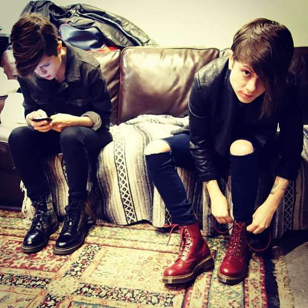 teganandsara:  Lacing up! #docs4life