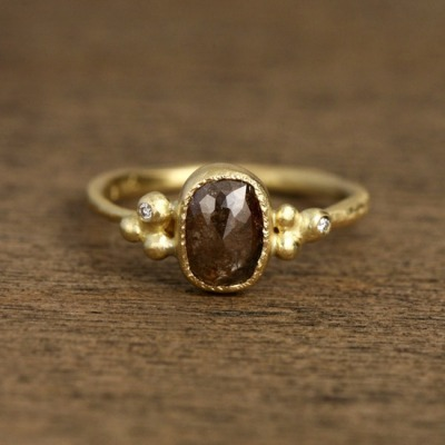 belaquadros:  Brown Diamond Ring