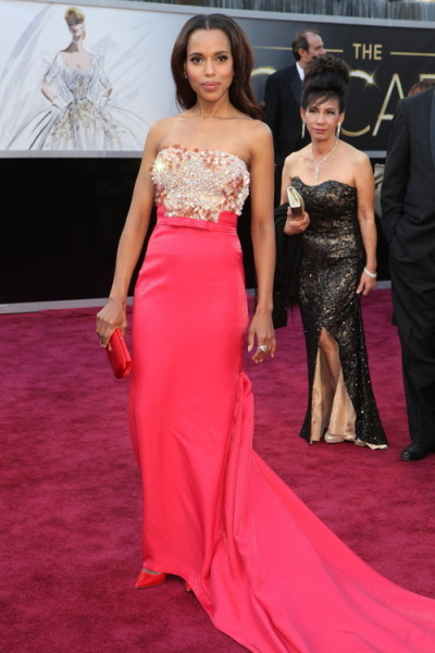 Kerry Washingtonon the red carpet at the2013 Academy Awards..