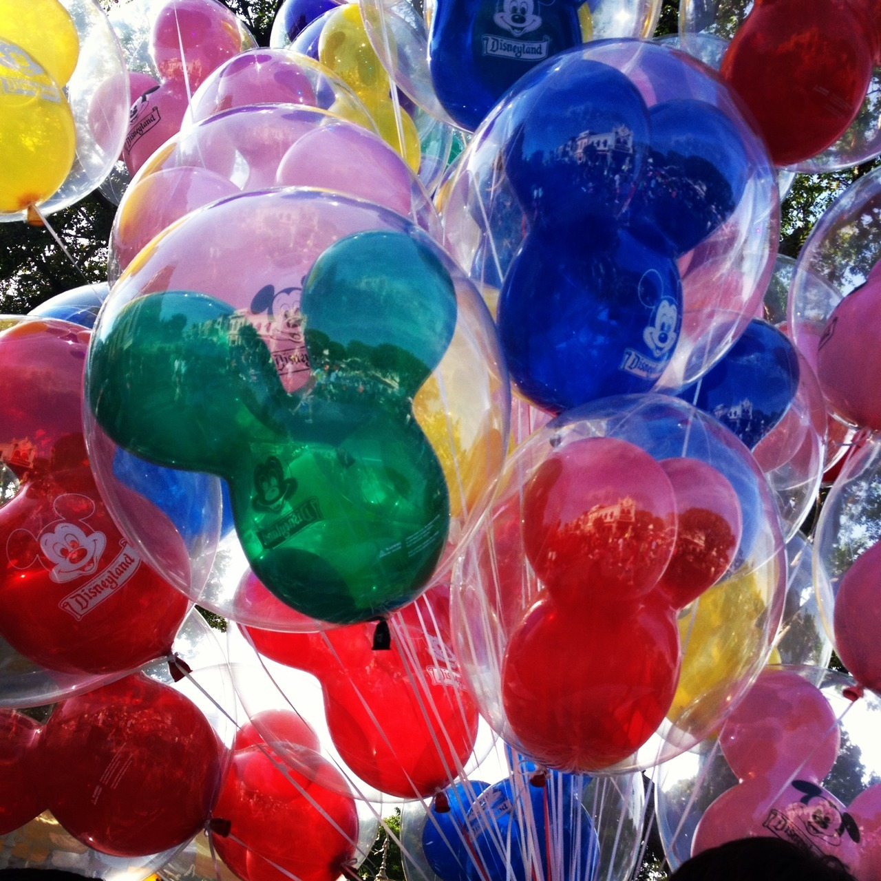 sincerlyyoursa:  Balloons at Disneyland.  Reblogging cause balloons!