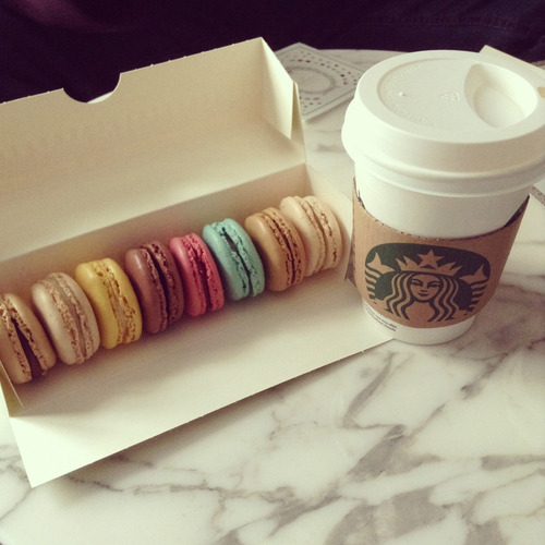 forever-and-alwayss:  macarons + starbucks, ooh yeah 3