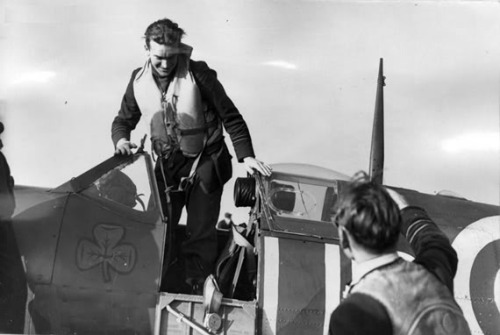wingsofwar:  Aces and Their Aircraft…Image #1: Paddy Finucane (28 confirmed) and his Supermarine Spitfire Mk. Vb