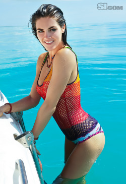 Hilary Rhoda - Uncensored SI Swimsuit Photo Sports Illustrated published this uncensored photo of Hilary Rhoda a few year ago. Unfortunately they did a better job this year and we aren't getting any good nipple shots :(