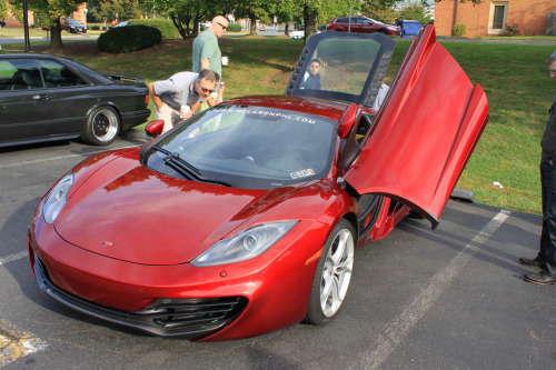 Is everything ok? Starring: McLaren MP4-12C (by iluvmyt1i)