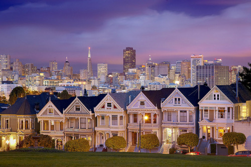 royalbandits:  City Lights, Alamo Square, San Francisco, California by PatrickSmithPhotography on Flickr.
