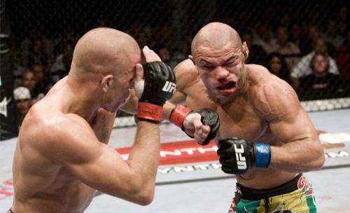 arequipe-smooth:  The old GSP v Alves fight…