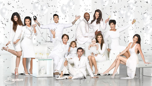 buzzfeedceleb:  The Kardashian Kristmas Kard is here!