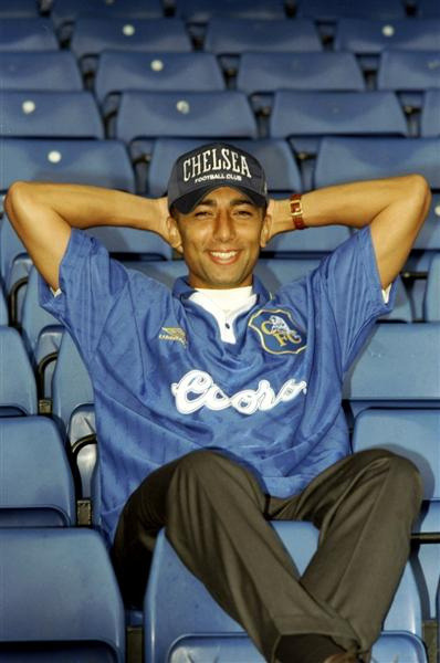 Bonus awesome photo: New signing Roberto Di Matteo, 1996.