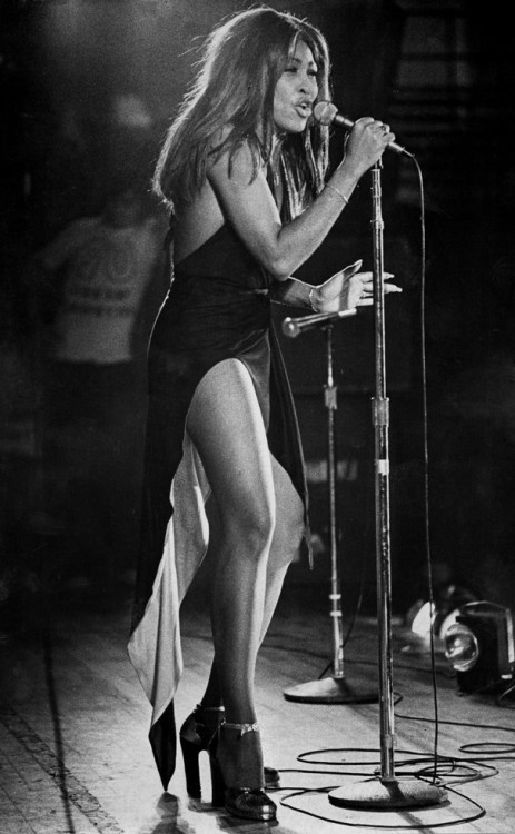 the60sbazaar:  Tina Turner and those fabulous legs!