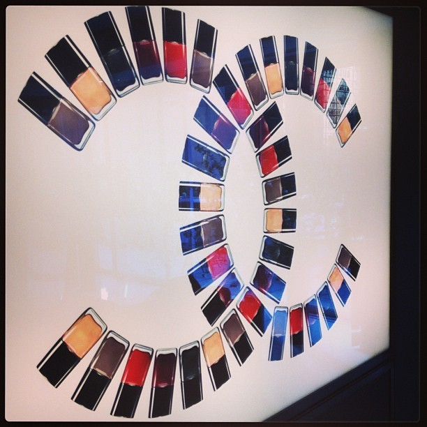 insidefashionista:  A mani @Chanel headquarters is a lovely way to end the day [http://bit.ly/16LvShH]