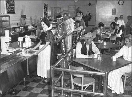 1950sunlimited:  Disneyland backstage cafeteria 1961