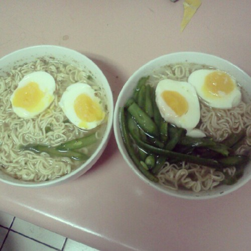 I turned instant ramen into good ramen (*≧ω≦)