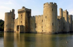 placesishouldgoto:  Bodiam Castle, East Sussex, England  via