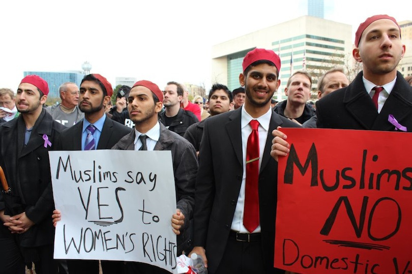 jessiben:  When a Muslim fraternity from the University of Texas at Dallas took to the streets to protest against domestic violence, these striking pictures made waves around the world. Muslim America rocks — we just don't hear about it often.