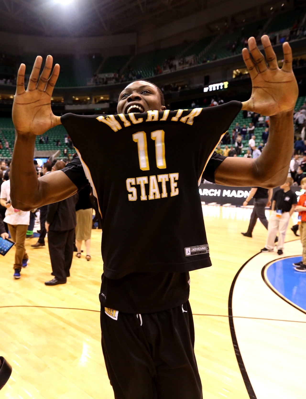 Pic: GONE-zaga! Wichita St upsets No. 1 Gonzaga 76-70.