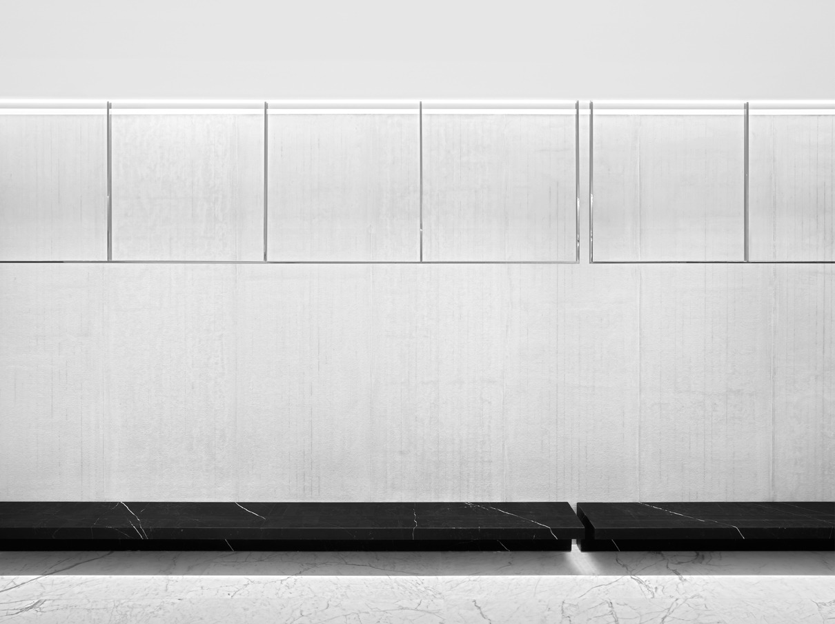 ordiri:  minimalist shop design by Saint Laurent