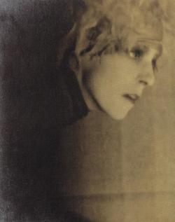 realityayslum:  Portrait of Nancy Cunard by Man Ray,  c1928. …