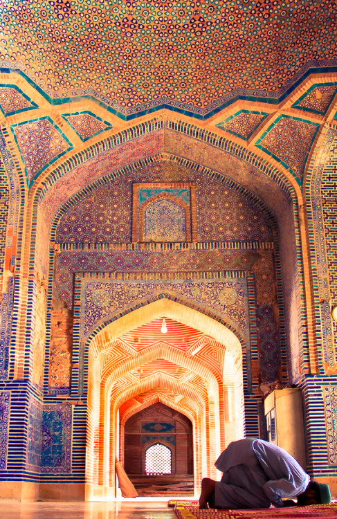 uncommonjones:  Living on a Prayer by Fasih Ahmed Shah Jahan Mosque, Thatta, Pakistan