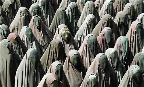 tooothache:  women in burkas  if i were the UN president, i'll let all women wear such :D