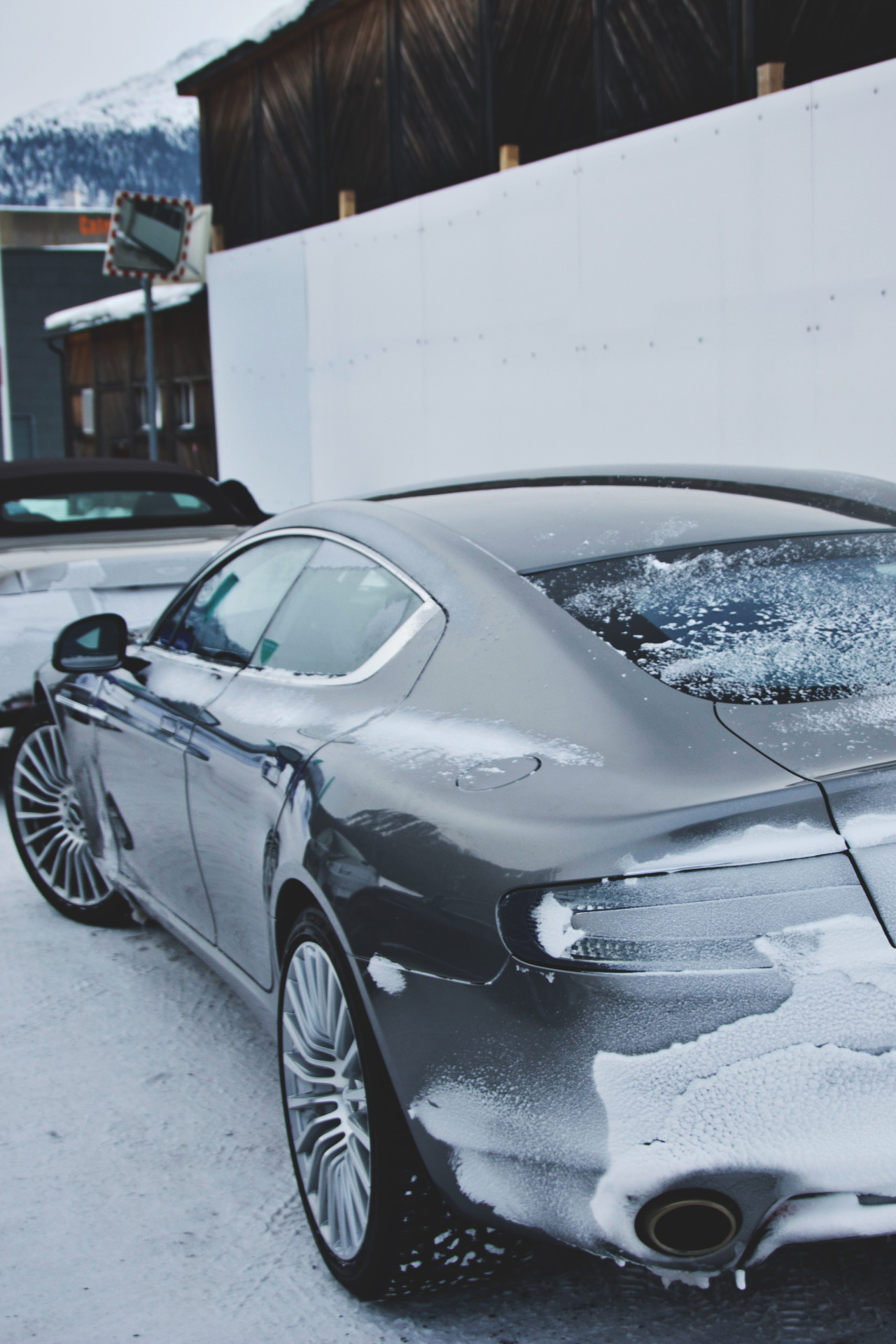 drugera:  (Aston Martin Rapide | | Source)