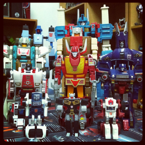 A recent collection pic, with some commentary on the MTMTE series: http://plastikjaya.blogspot.com/2013/03/couple-tf-group-pics.html