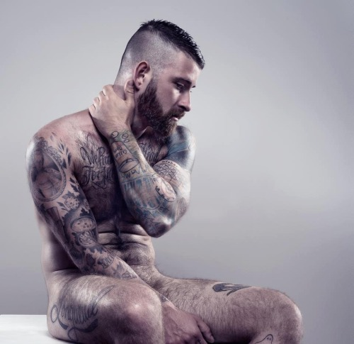 realmenstink:  SEXY TATS AND FUR !!!
