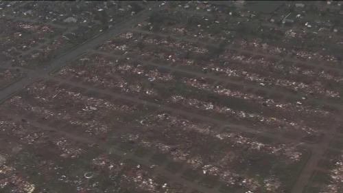 brooklynmutt:  Wide shot of the destruction in Moore, Oklahoma from KFOR @zerwekh