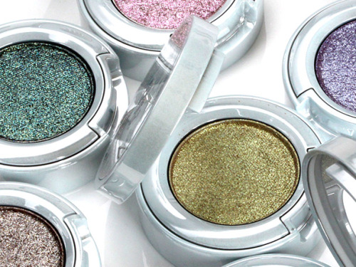 lolitserica:  Urban Decay Moondust Eyeshadow