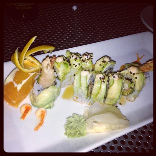 My Dragon Roll at @Moonshine they got all fancy and added an orange! Yum! Here with @knmccune #WeLoveMoonchine (at Moonchine Asian Bistro)