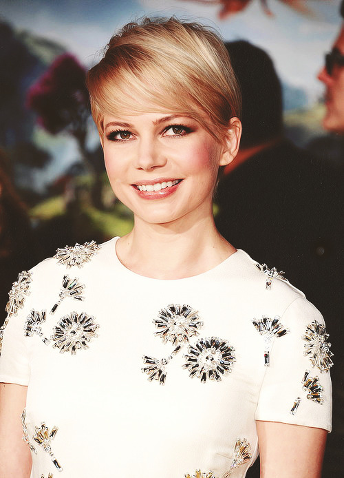 "williamsledger:  Michelle Williams - ""Oz The Great and Powerful"" Premiere at the El Capitan Theatre, LA (Feb. 13)"