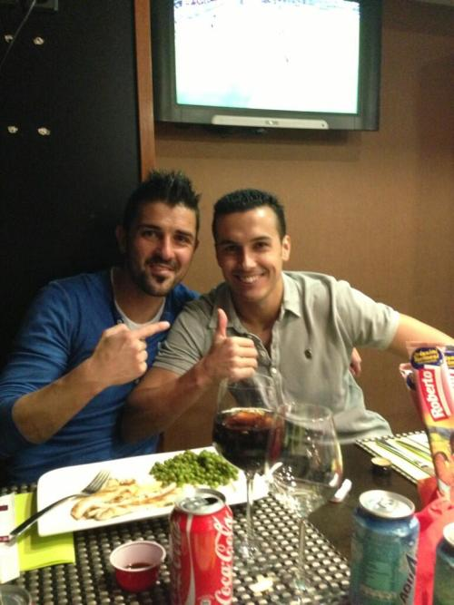 footballvt:  messinumber10: Tw Pedro: Here's a pic from after yesterday's game, having supper at Camp Nou with a total crack, Guaje Villa!!