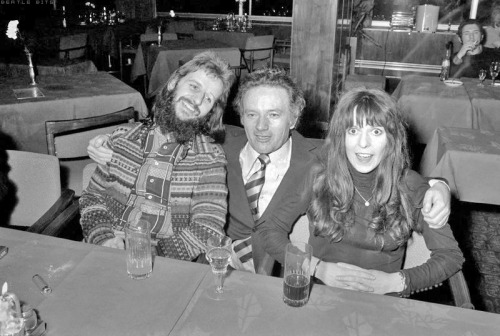 Ohh the original version is great ! March 1972, Ringo & Maureen with Richard Burton's brother Graham in Hungary. They attended Elizabeth Taylor's birthday party.