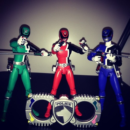 Tonight I present you the boys of DekaRanger. Emergency!! #powerrangers #supersentai #dekarangers #spd #tokusatsu #toys #shfiguarts