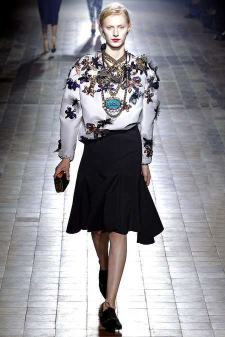 beckymalinsky:  Lanvin fall 2013. Impossibly cool and sophisticated.