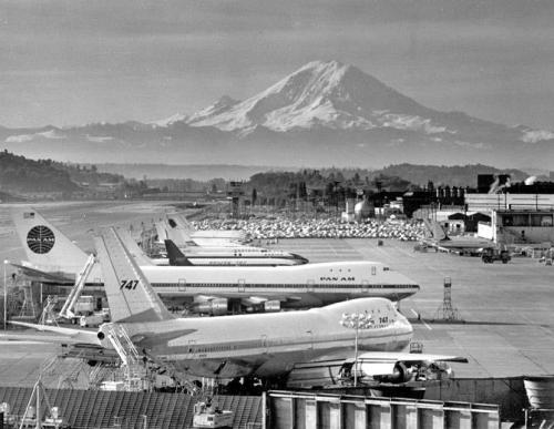 uppiluften:  Boeing Field—May, '69. [x]