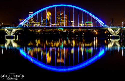 stuffaboutminneapolis:  Minneapolis skyline through the Lowry Avenue bridge via Greg Lundgren