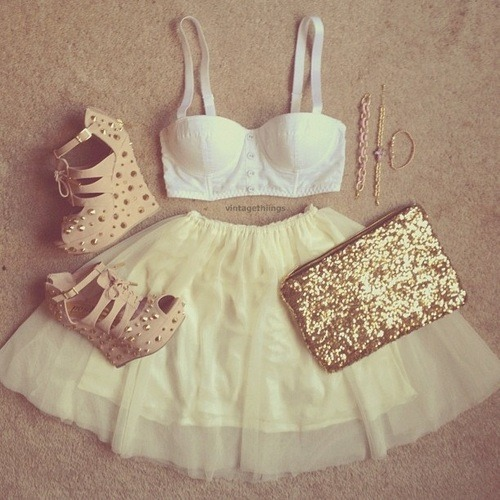 laurenl4197:  Fashion | via Tumblr on We Heart It - http://weheartit.com/entry/57060825/via/Lauren_Llewellyn4197