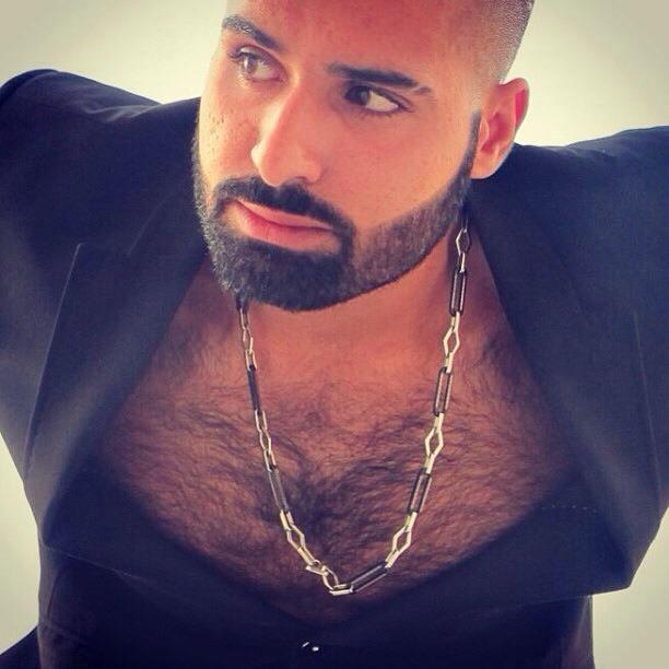 2018-06-04 05:23:05 - he bones me beardburnme http://www.neofic.com